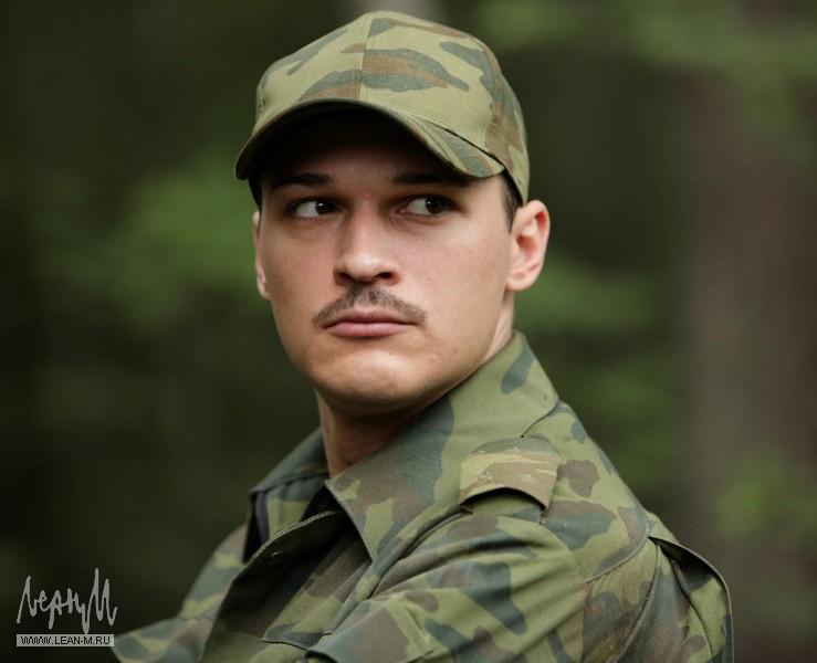 Илья Оболонков актер
