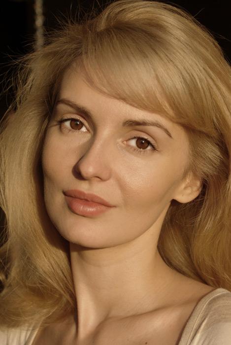 Голая Ирина Баринова(Инга из выжить после)