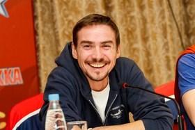 Актер Денис Никифоров фото
