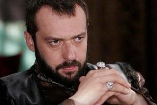Фото актера Окан Ялабык