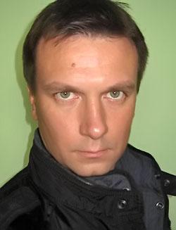 Актер Денис Варенов фото