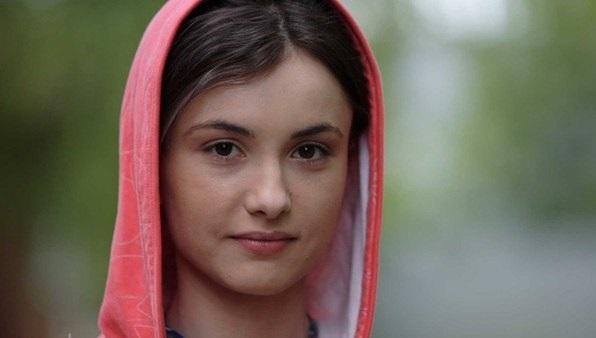 Фото актера Элен Касьяник, биография и фильмография