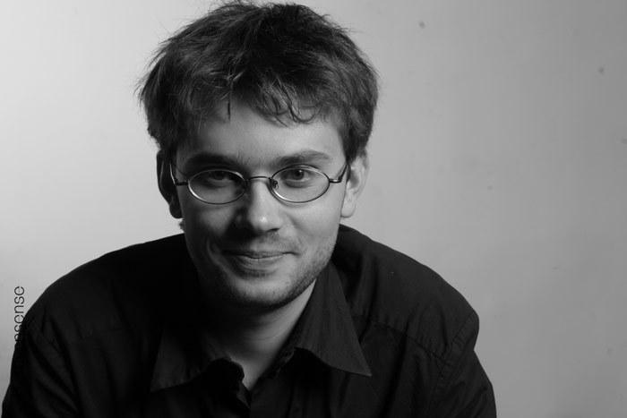 Актер Артем Семакин фото