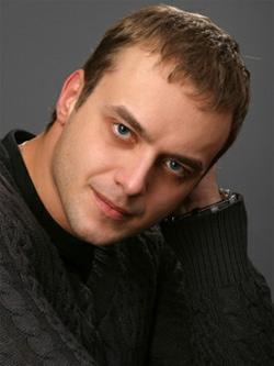 Актер Максим Щёголев фото