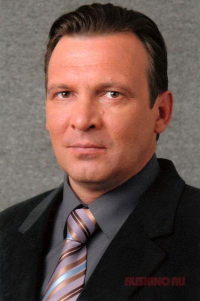 Актер Илья Савельев фото