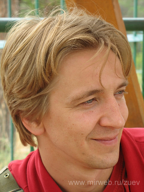 Актер Алексей Зуев фото