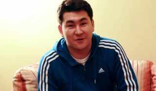Актер Азамат Мусагалиев фото