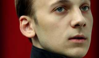 Актер Илья Рубанов фото