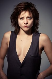 Лиззи Брошере актеры фото биография