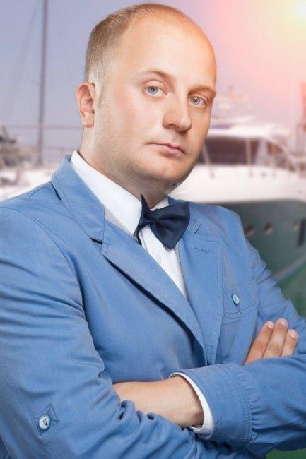 Денис Иванов (2) актеры фото биография