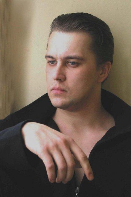 Актер Александр Кондрух фото