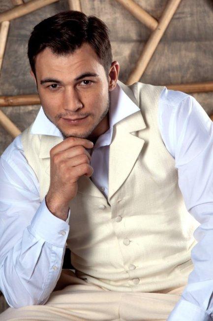 Актер Владислав Погиба фото