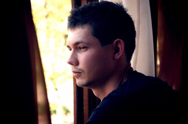 Актер Антон Тузиков фото