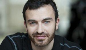 Актер Себастьян Сисак фото
