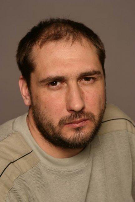 Актер Тимофей Ухов фото