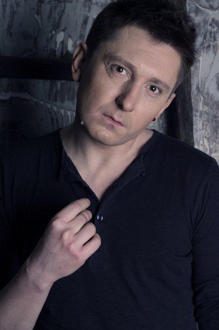 Актер Денис Мартынов фото