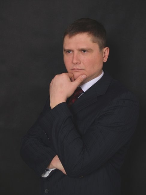 Актер Павел Запорожец фото