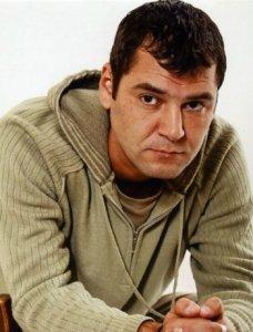 Актер Антон Фигуровский фото