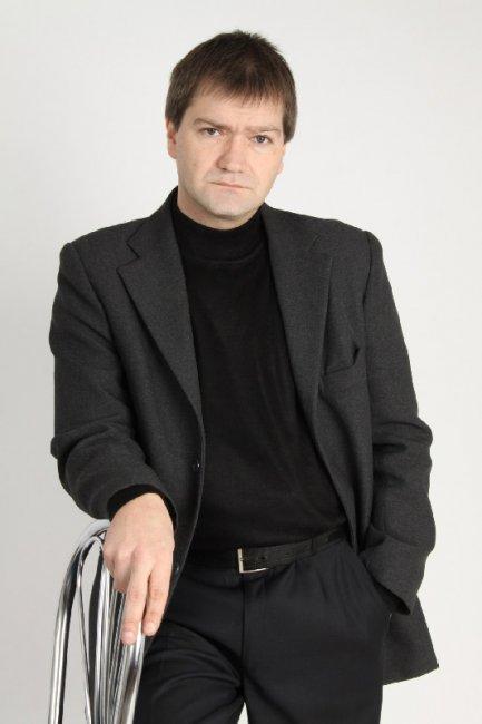 Павел Сухов актеры фото биография