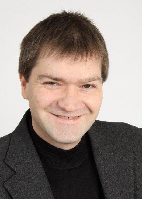 Актер Павел Сухов фото