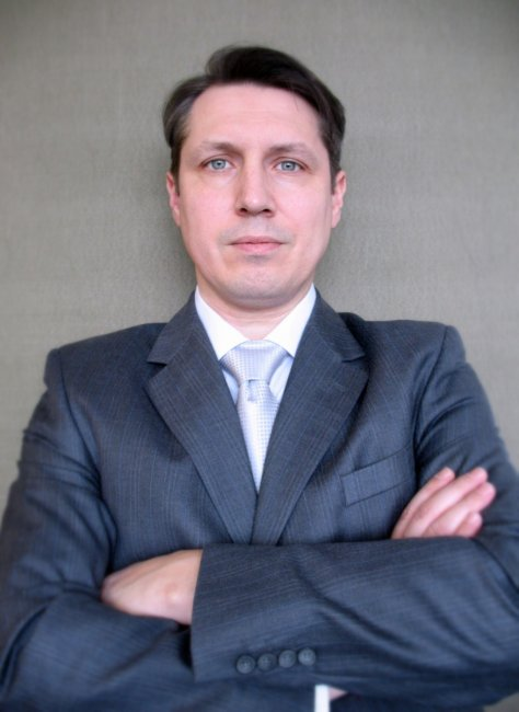 Актер Алексей Устинов фото
