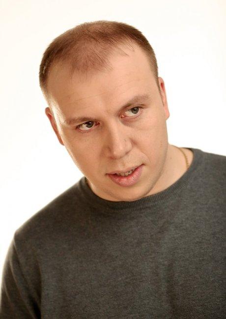 Актер Денис Кутузов фото