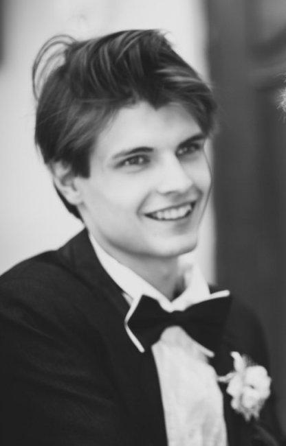 Актер Петр Грезев фото