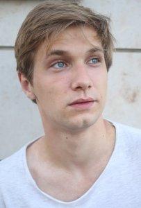 Владимир Петров (8) актеры фото биография