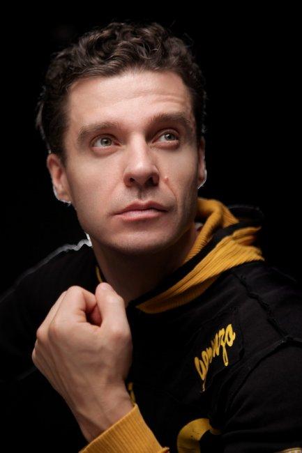 Антон Ушаков актеры фото биография