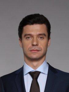 Актер Антон Ушаков фото