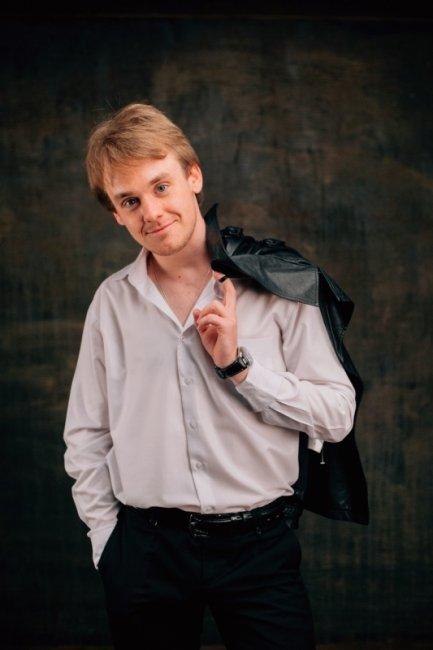 Дмитрий Усов актеры фото биография