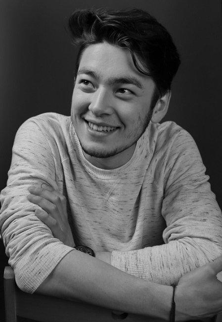Актер Аскар Ильясов фото