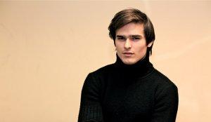 Илья Мирошников