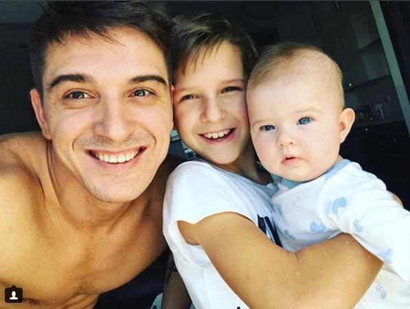 Станислав Бондаренко с сыном и дочкой Алексой