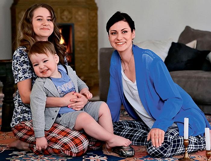 Анна Ковальчук и её дети фото
