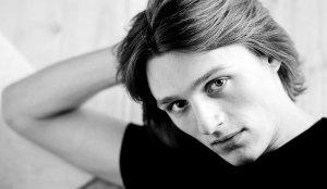 Актер Алексей Варущенко фото