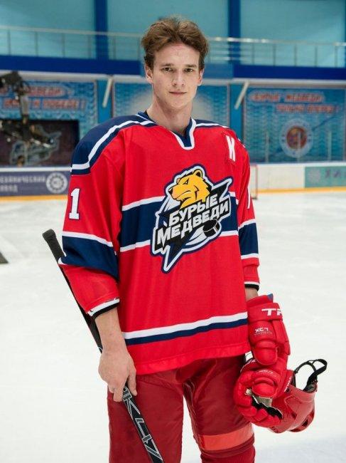 Актер Евгений Романцов фото