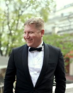 Актер Алексей Дерябкин фото